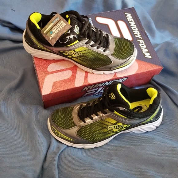 dc5900592273 New FILA Running Shoes Men size 9